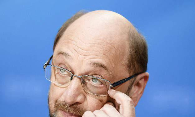 Foreign minister Szijjártó berates Schulz over Hungary PM remarks