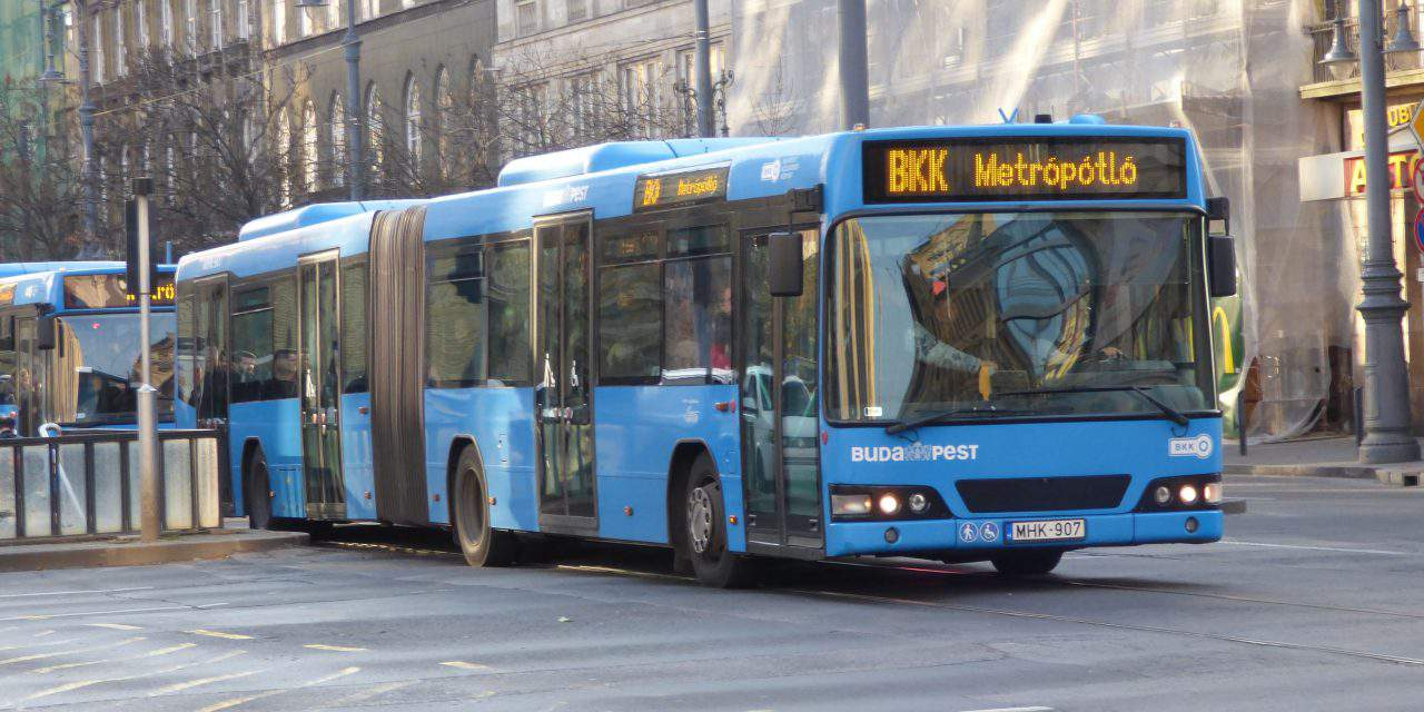 Labour shortage: bus drivers overloaded and exhausted