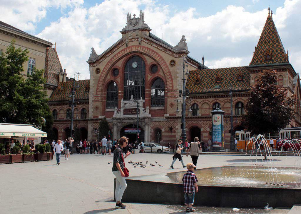 Fővám tér square Great Market Hall vásárcsarnok