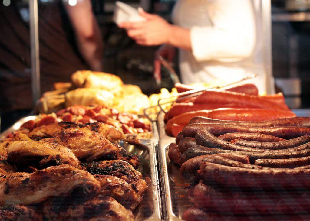great-market-hall-budapest-fővám-tér sausage-food
