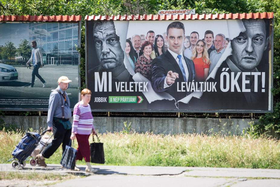 Jobbik submits complaint to top court over billboard law