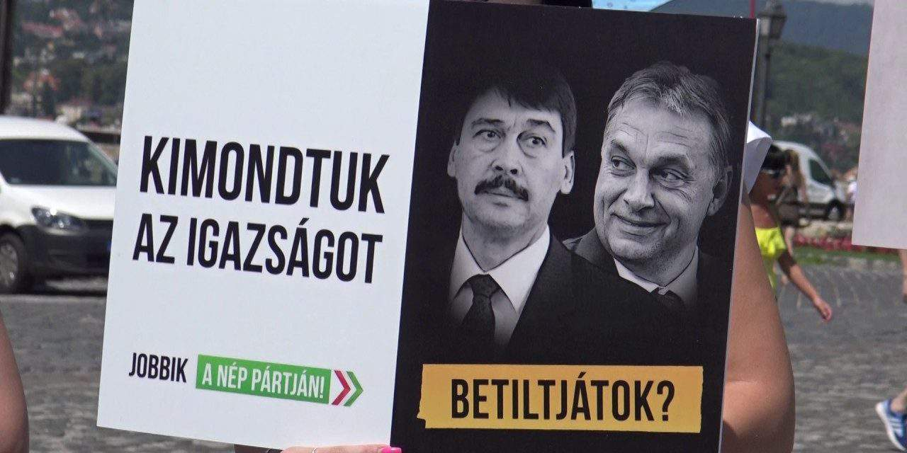 Jobbik asks President Áderr to return outdoor media law to Constitutional Court