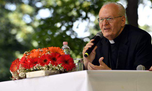 Cardinal Erdő launches preparations for 2020 International Eucharistic Congress