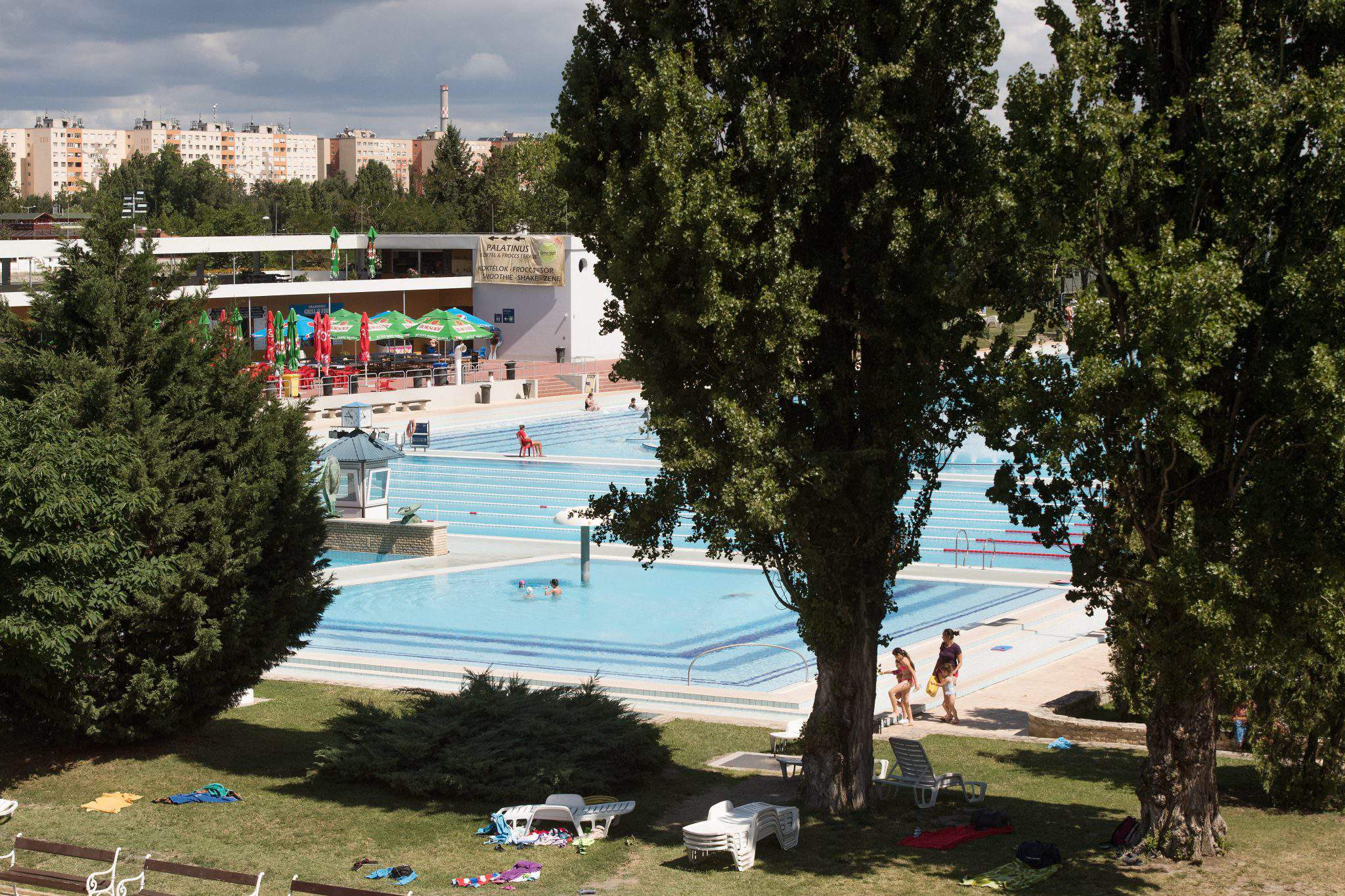 Here are the renewed palatinus baths and cs sz r komj di - Margaret island budapest swimming pool ...