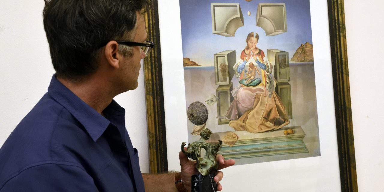 Dalí amazes visitors at Szeged