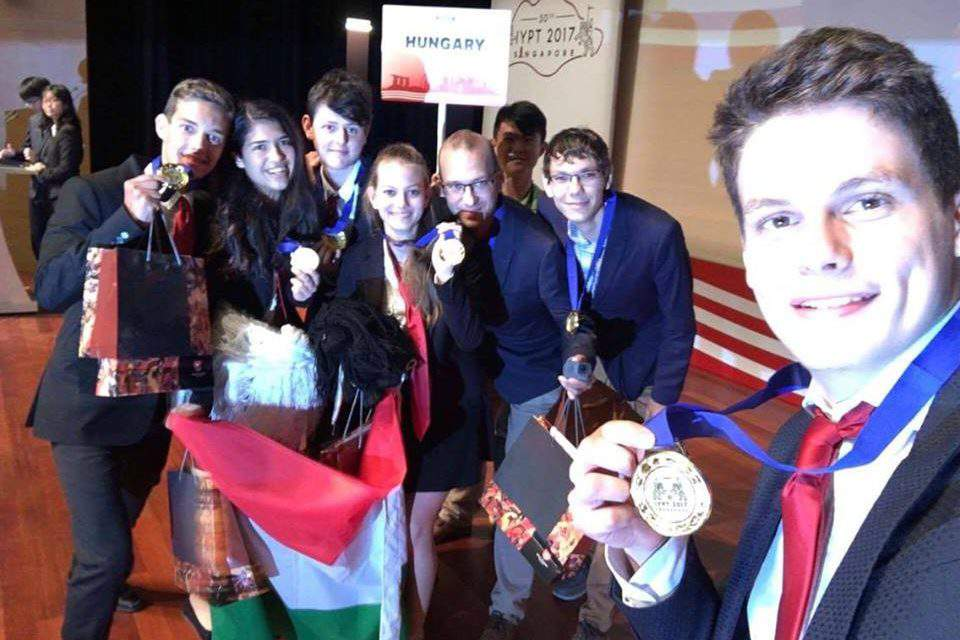 Hungarian students became international physics champions