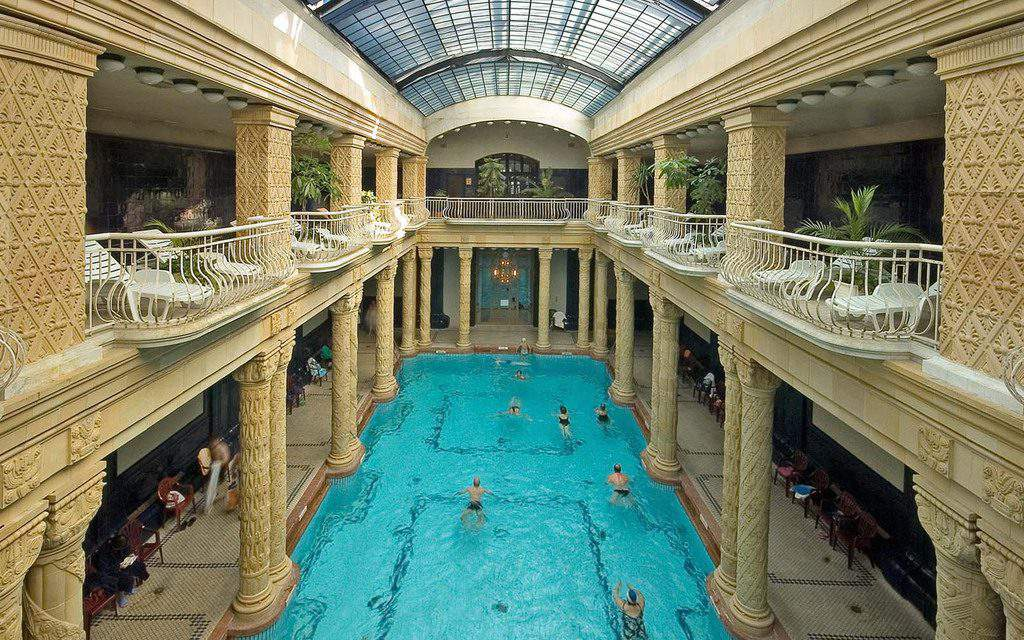 7 fun facts and stories about the historical baths of Budapest