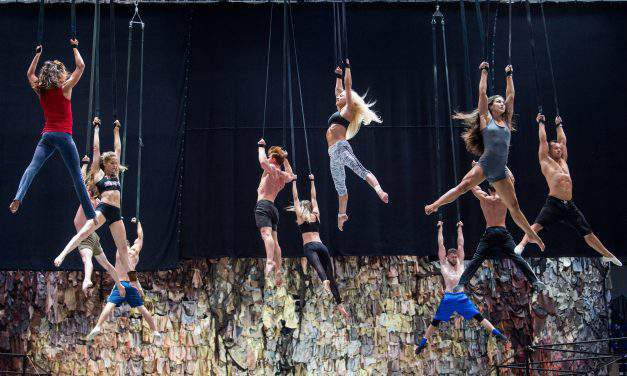 Contemporary circus and dance show is closing the FINA World Championships