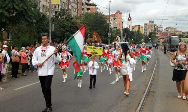 Romanian authorities prevented Hungarian street dancers from parading under the Hungarian flag