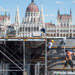 Net average wage in Hungary reaches EUR 649 in June