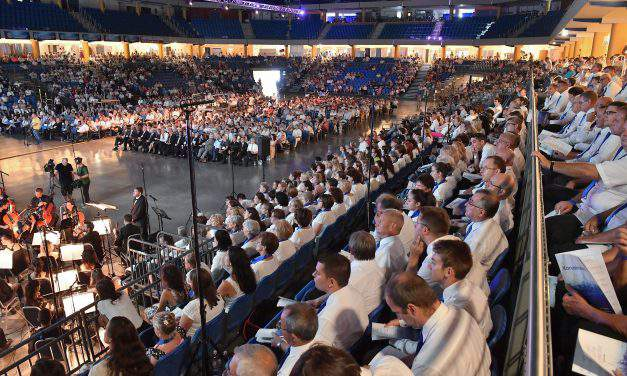 The fourth world meeting of Hungarian Baptists was held in Debrecen