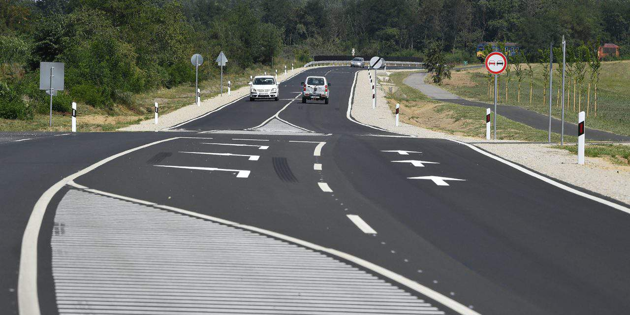Here is the renewed 16 kilometres highway in eastern Hungary