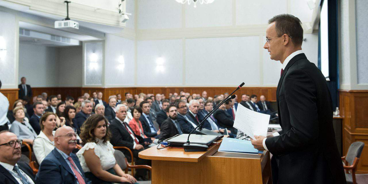 Foreign minister addresses seasonal meeting of Hungarian diplomats – UPDATE
