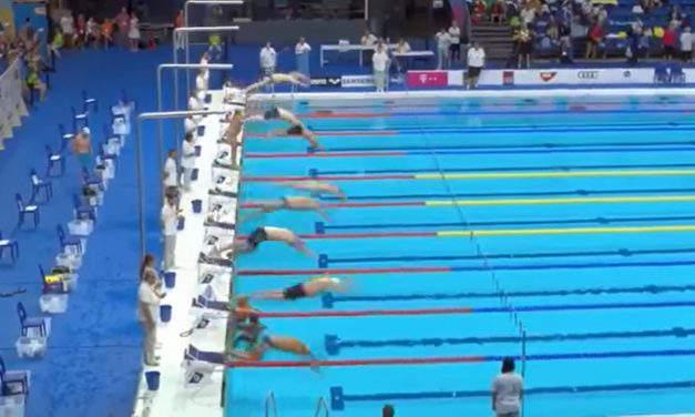 Spanish swimmer commemorating Barcelona victims – VIDEO