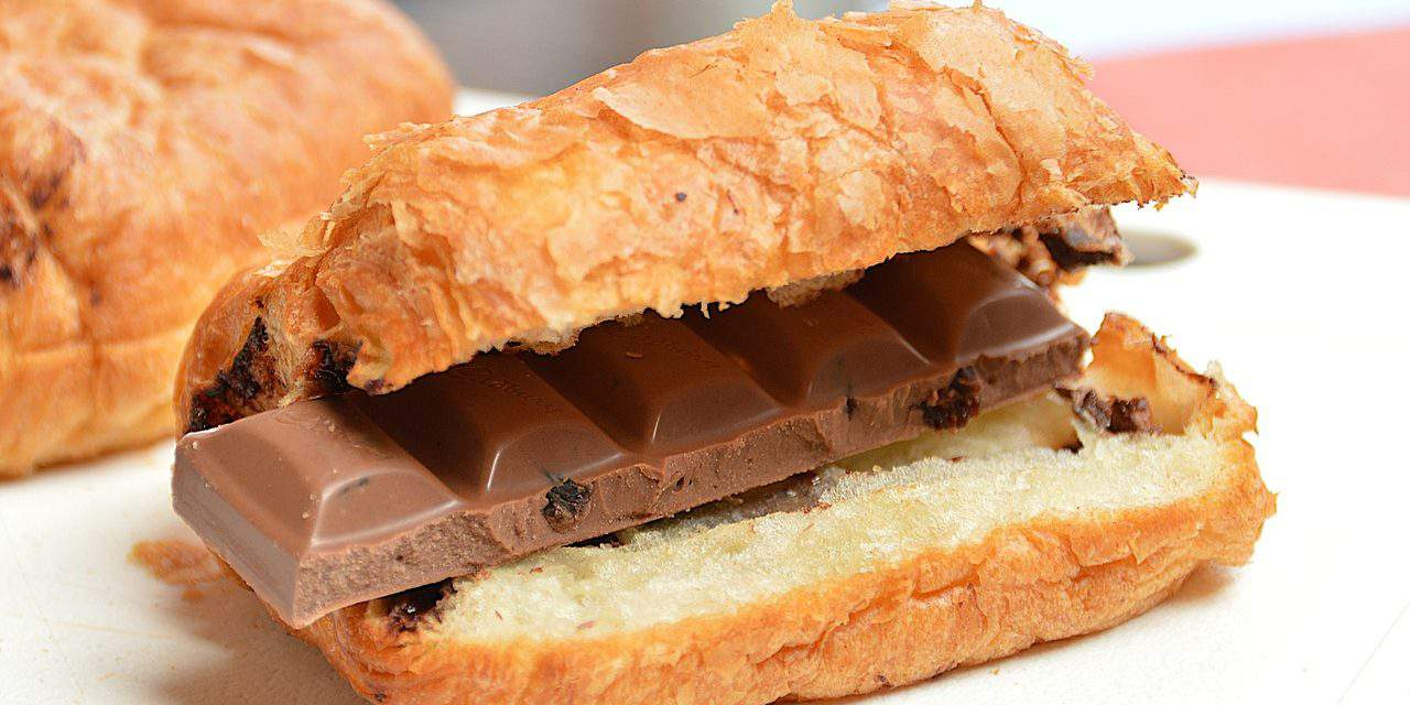 Unhealthy snacks and beverages to be banned from Hungary's school buffets