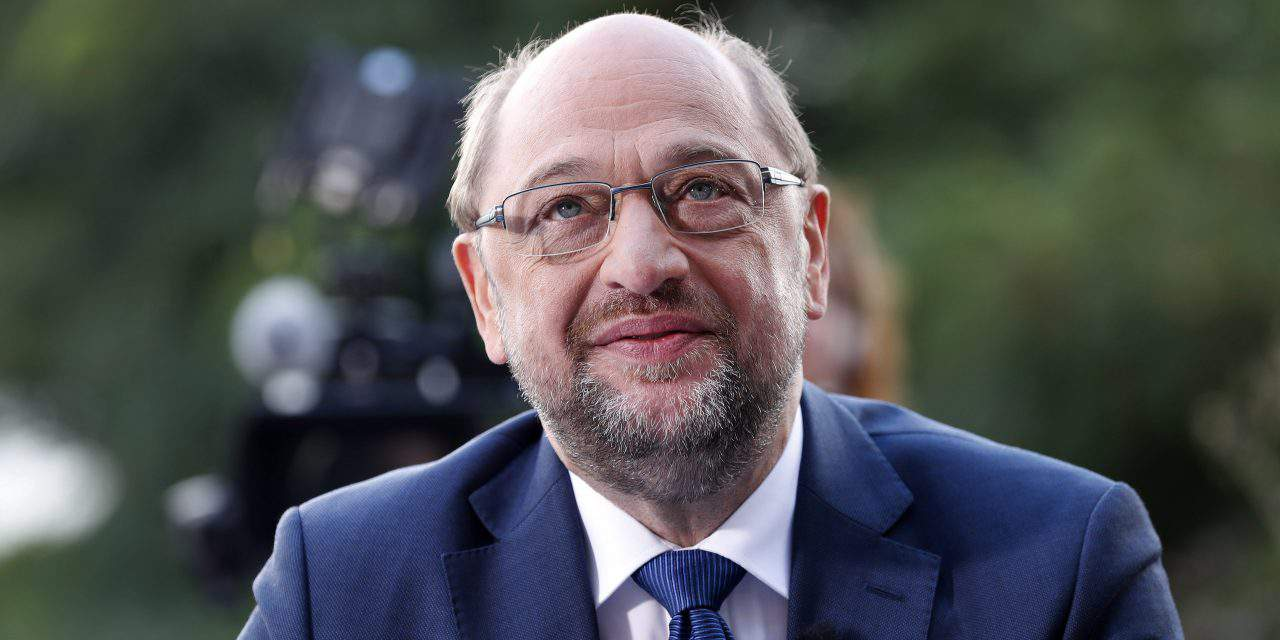 Foreign Minister: Schulz 'should preoccupy himself with his own party' instead of chiding Orbán
