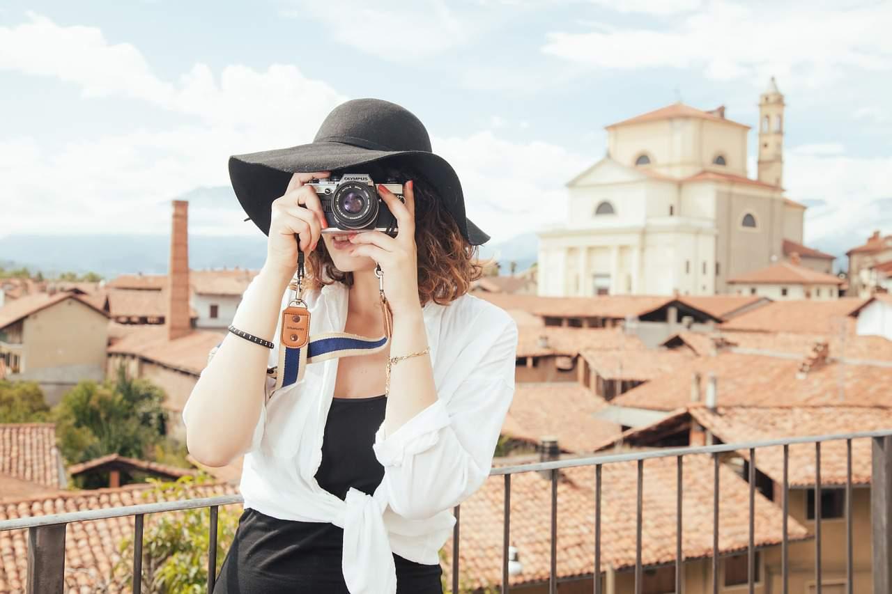 photographer travel tourism