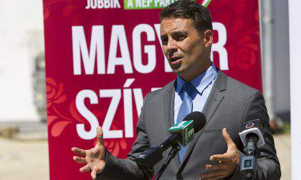 Jobbik to start collecting signatures for wage union bid on August 20