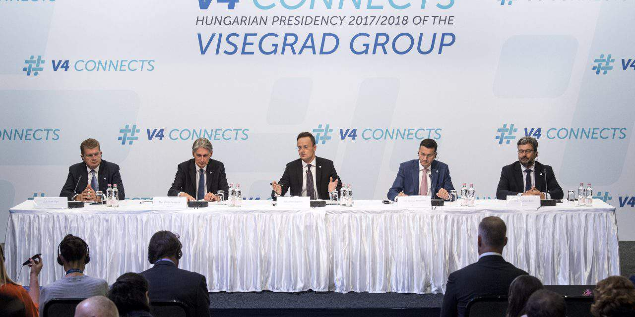 Visegrad Group foreign ministers and British finance minister hold talks in Budapest