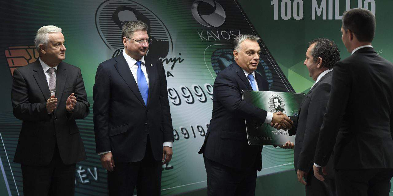 Orbán: Széchenyi card borrowing limit to be raised to EUR 326,000