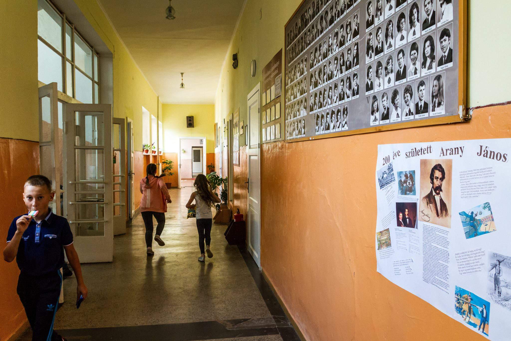 school-ukraine-hungarian