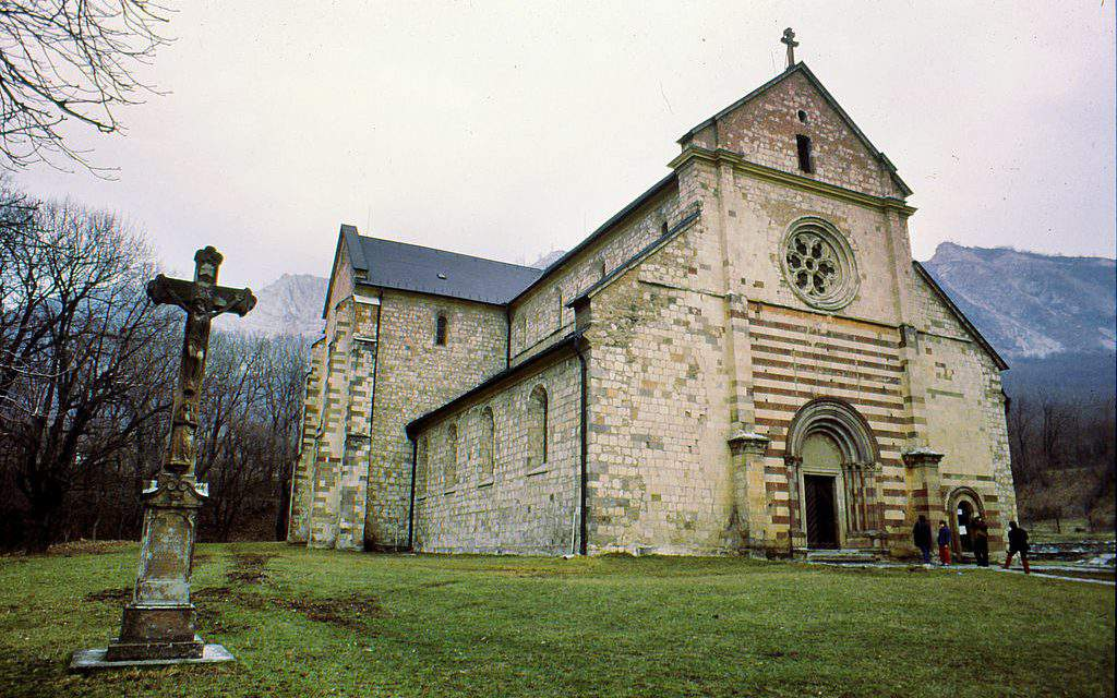 8+1 must-see churches in the Hungarian countryside