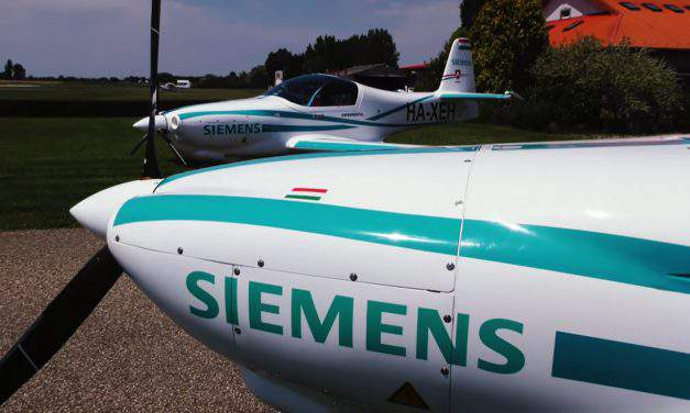 Hungarian electric plane of Siemens glides