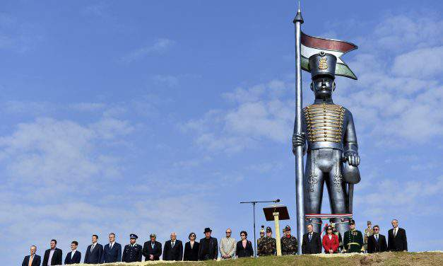 The world's tallest hussar statue inaugurated in Pákozd