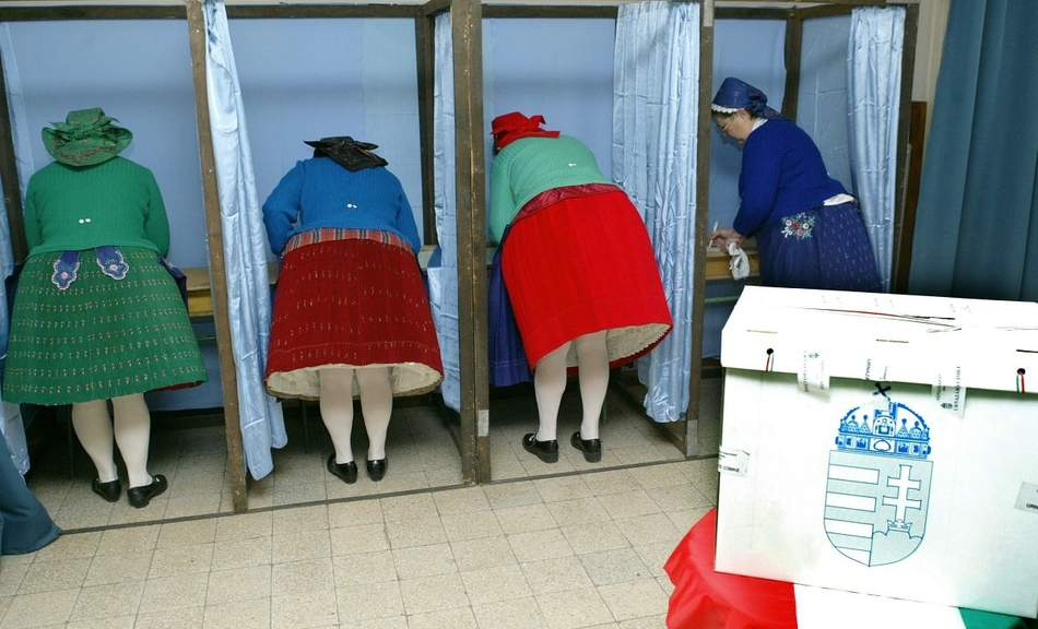 Democratic Coalition: Fidesz 'buying' ethnic Hungarian vote