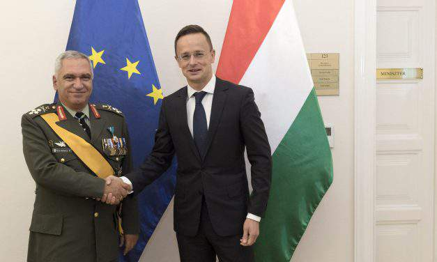 Foreign minister discusses security with EU military committee head