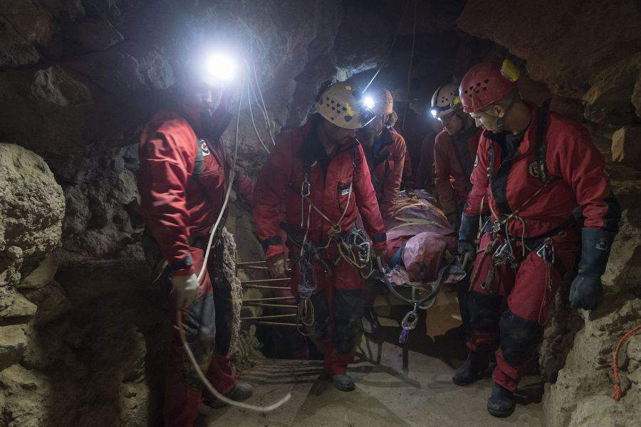 American tourist injured in the cave of Mátyás Hill – PHOTOS