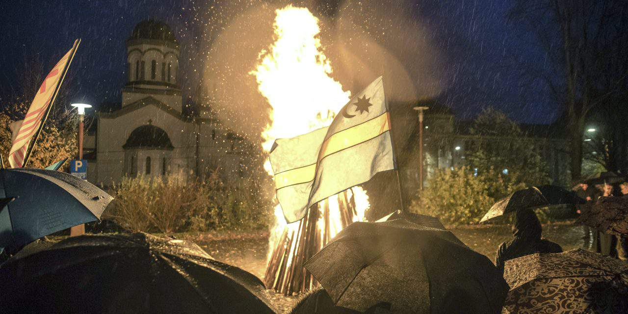Hundreds demonstrate with bonfires across Transylvania for Szekler autonomy