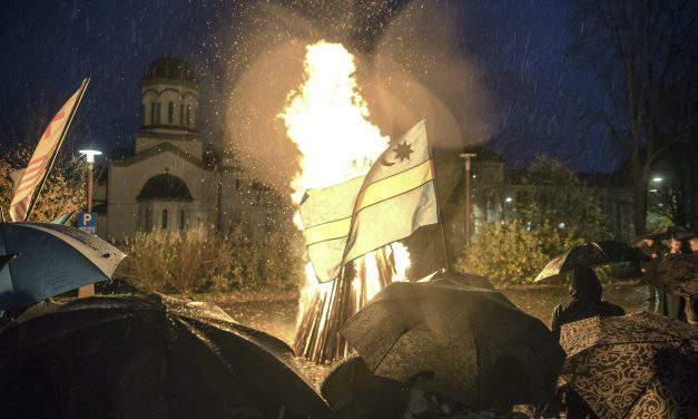 Hundreds demonstrate with bonfires across Transylvania for Szekler autonomy