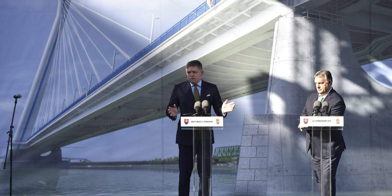 Orbán, Fico lay cornerstone of new Komárom Danube bridge