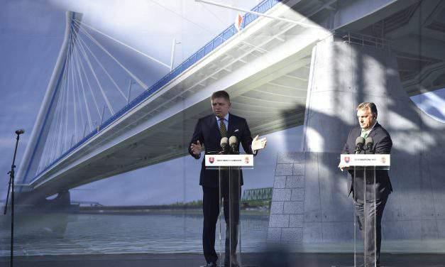 Orbán, Fico lay cornerstone of new Komárom Danube bridge