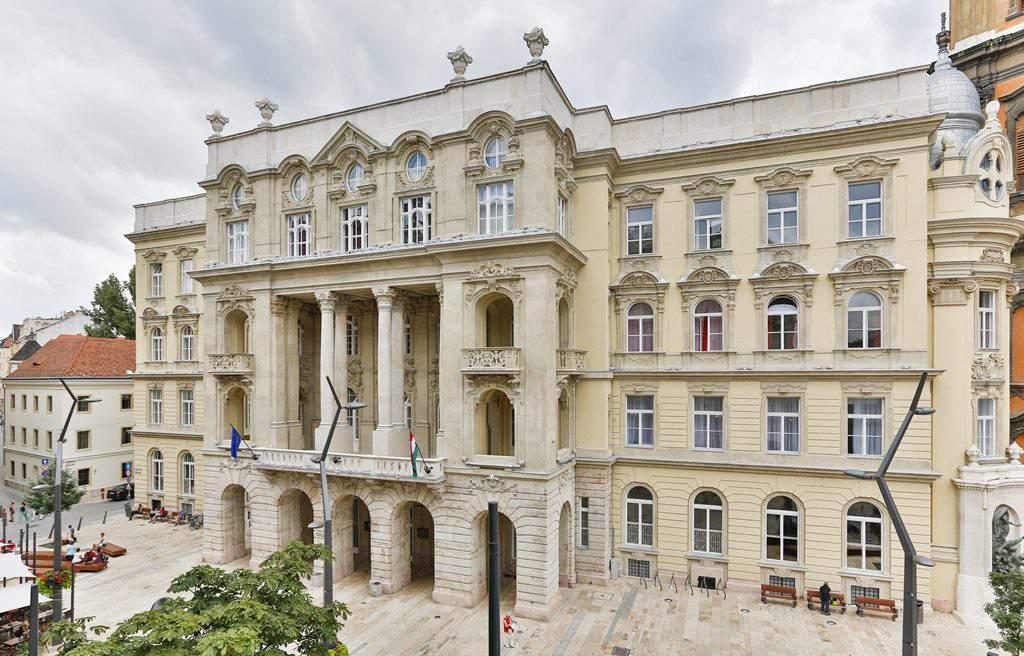 Université Eötvös Loránd