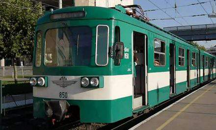 Hungarian girl did not hear train whistle because of headphones