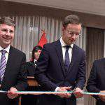 Foreign minister reopens Hungarian embassy in Lima