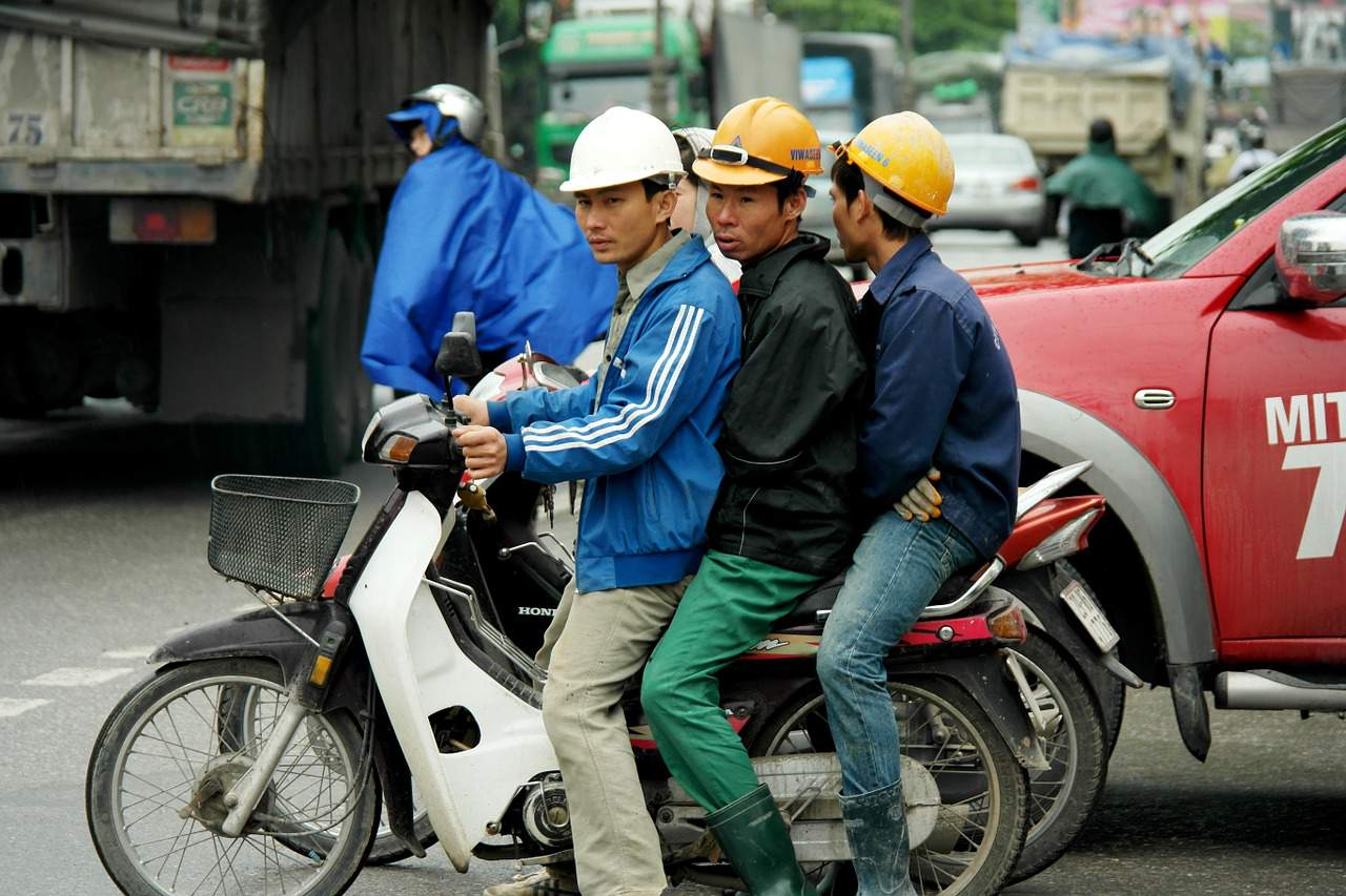 labour shortage china asia
