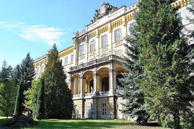 Haunted house: the abandoned Lipótmező Asylum