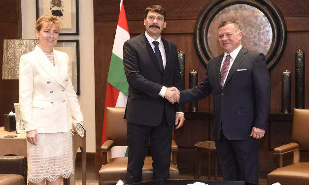 Áder sees refugee crisis, water shortage as Jordan's main problems