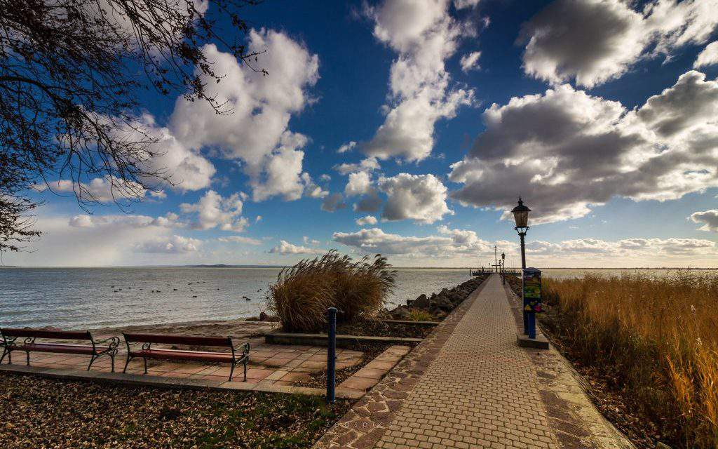 20 breath-taking photos of Lake Balaton in Autumn – GALLERY