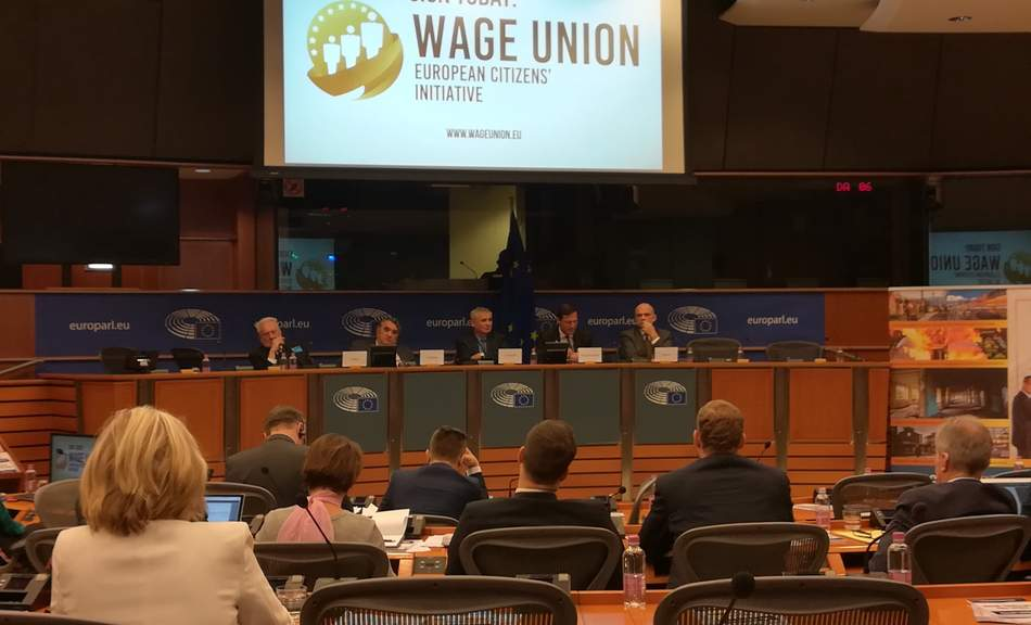 International press conferenc on wage union in Brussels