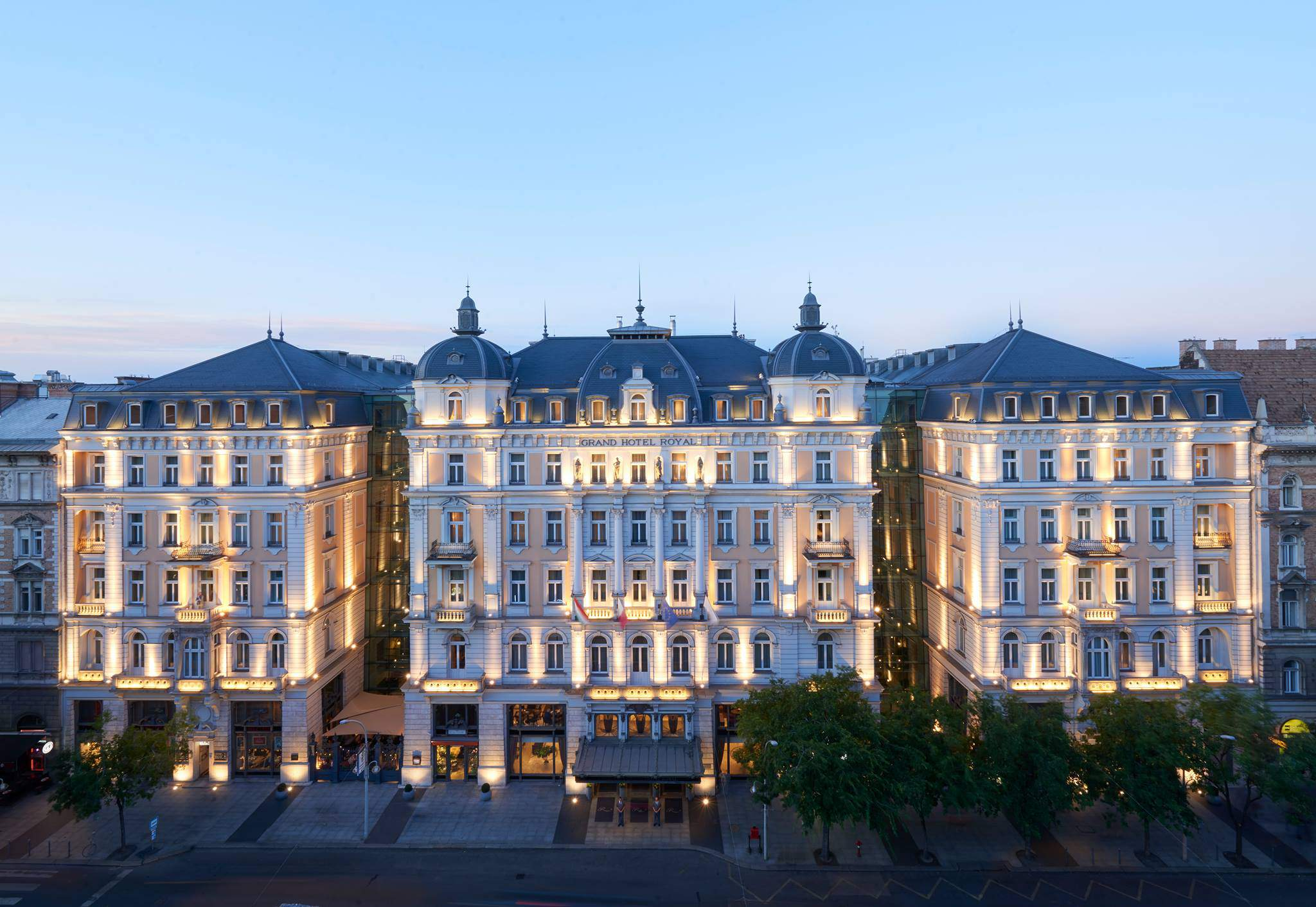 The story of the oldest hotel in budapest daily news hungary for Hotel budapest