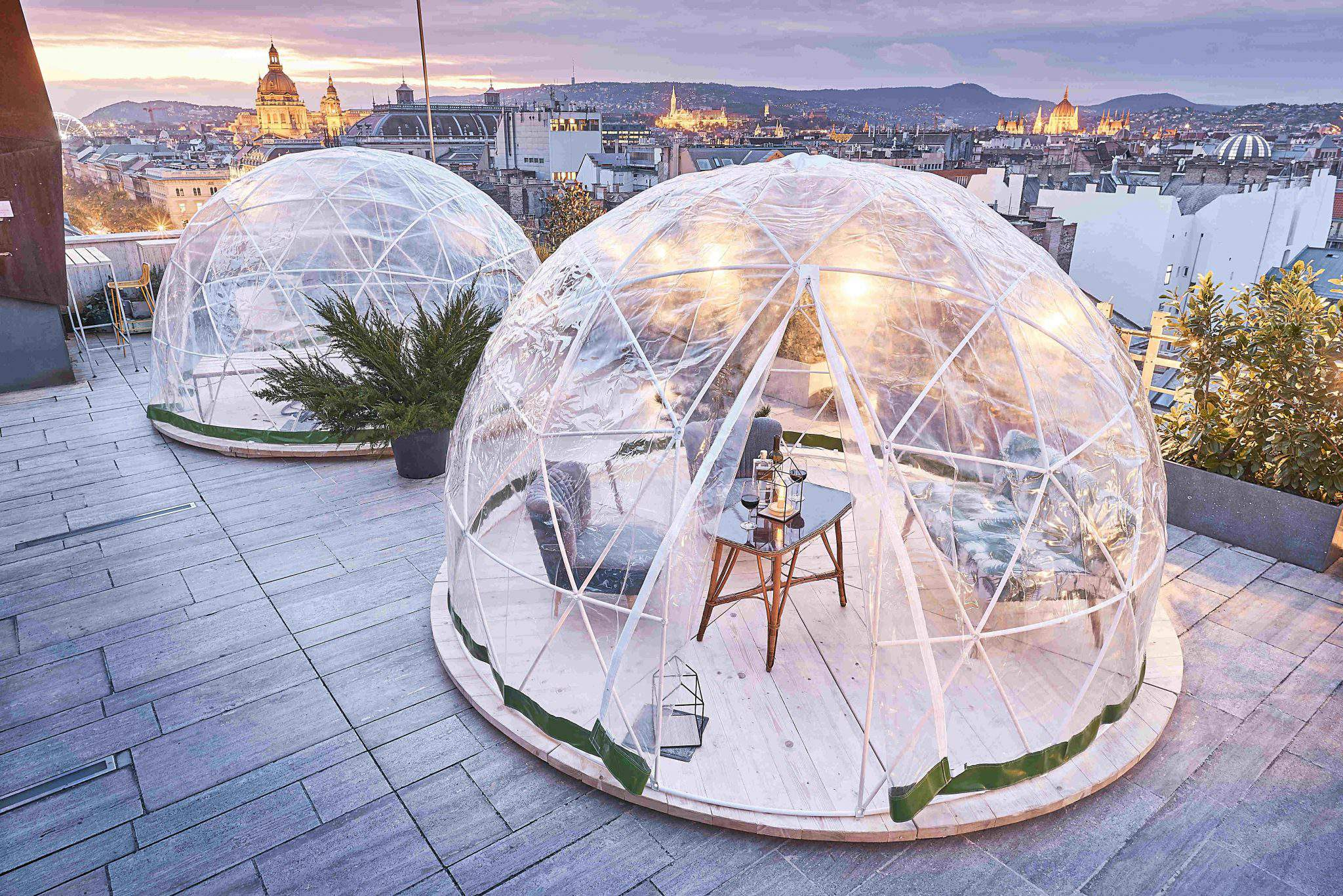 how about enjoying the view of budapest from a wintery igloo daily news hungary. Black Bedroom Furniture Sets. Home Design Ideas