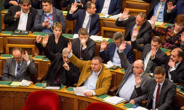 Achievements, security at heart of Fidesz's 2018 election campaign