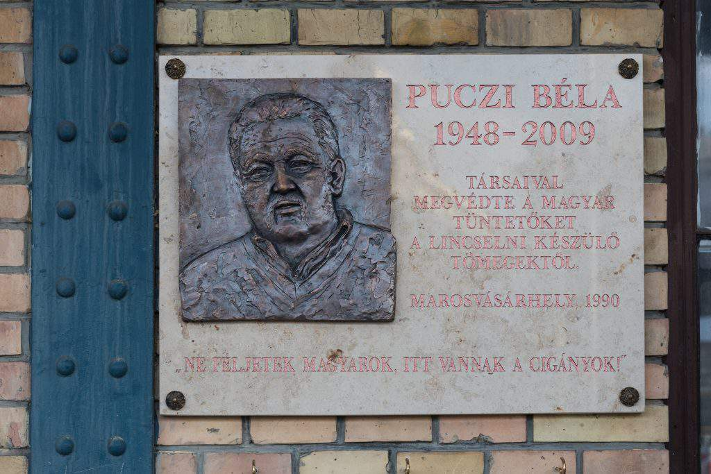 Memorial plaque unveiled in Budapest for Roma leader