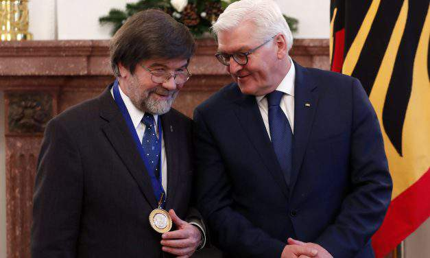 International Adalbert Prize presented to former Hungarian interior minister