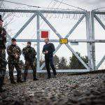 Hungarian defence minister on two-day tour of border – PHOTOS