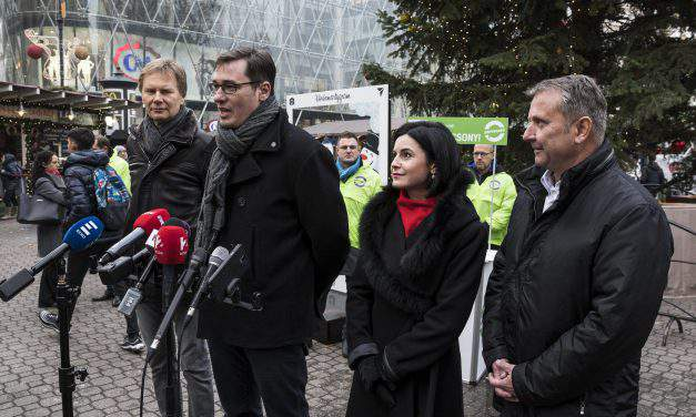 """Leftist opposition: A """"gentle and soft-spoken"""" government at stake at next year's election"""